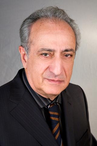 Коллектив Института сердечно поздравляет проректора по научной работе Антоняна